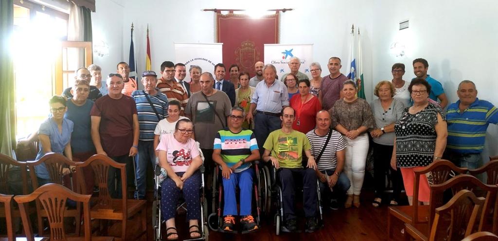 Resultado de imagen de La Obra Social de Caixabank otorga ayudas económicas a diferentes asociaciones y colectivos del municipio de Buenavista